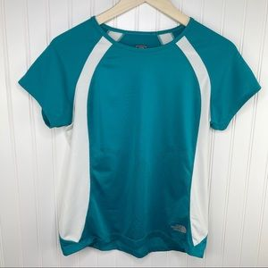 The North Face Vapor Wick Turquoise Athletic Top